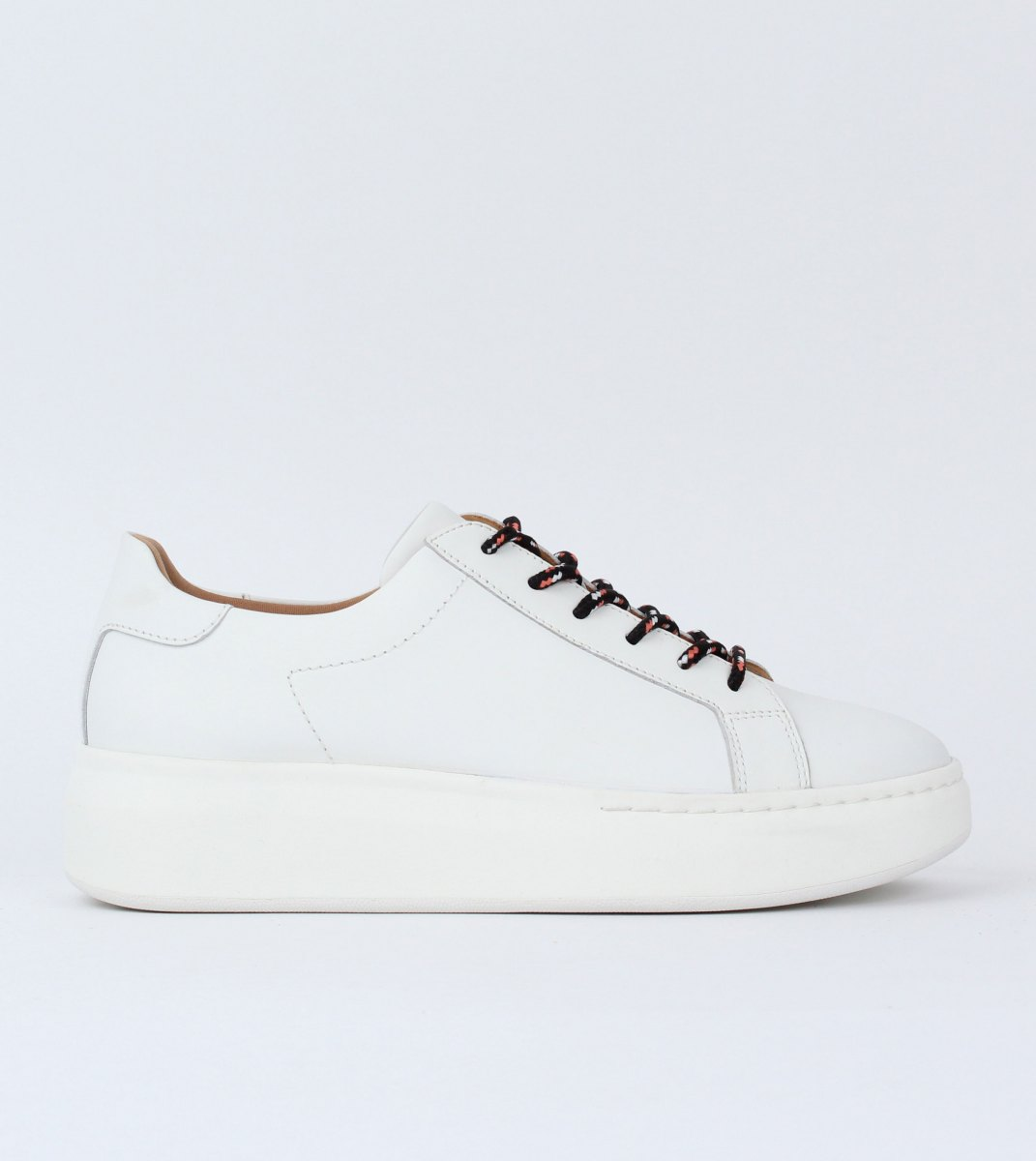 Rollie-City_Sneaker-White-Outside