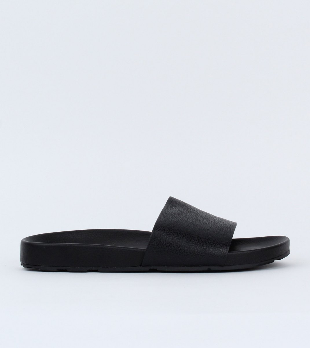 Rollie-Tide_Slide-Black-Outside